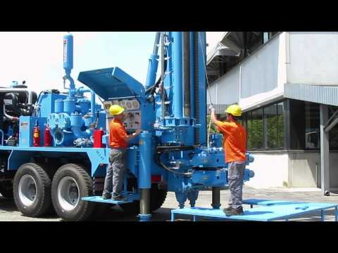 M.I.45 water wells drilling rig, 45 tons pull-back and carousel pipe loader