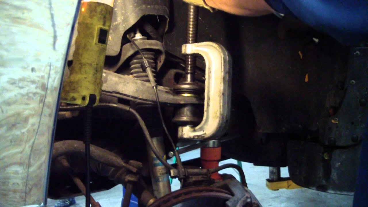Upper Ball Joint Replace on a 2002 GMC 2500 HD 4x4 - YouTube