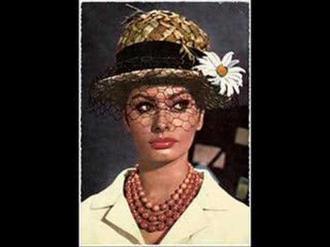Sophia Loren - Everybody Loves Somebody Sometimes Video