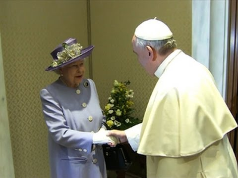 Queen's informal meeting with pope a sign of how times have changed