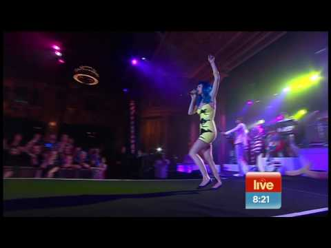 'Teenage Dream' & 'Hot and Cold' Katy Perry in Melbourne Australia on Sunrise 13th Aug 2010 (PART 3)