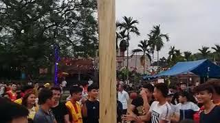Trò chơi dân gian: leo cột mỡ