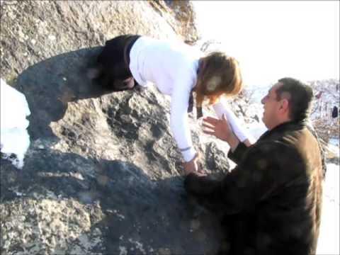 Тцак-Кар, камень с дыркой, Армения, Гюмри