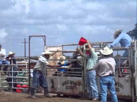 Circle A Rodeo Mutton Bustin Dimitri Alarcon 6 Years   Gill Co July 7,2012 video