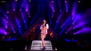 Rihanna Video - Rihanna Live BBC Radio 1 Hackney weekend 2012 Live London (with chapters)