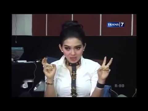 Video Lucu Wawancara Sok Intelek Syahrini