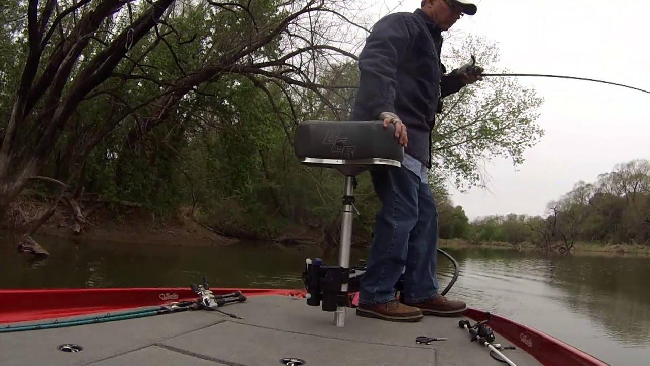 Bass fishing pitching the craw joe pool lake texas for Joe pool lake fishing report