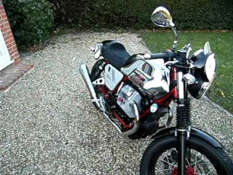 Moto Guzzi V7 Racer Arrow Exhausts