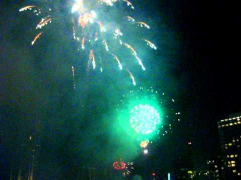 Fireworks Loi Krathong on the Chao Phraya River – Phil in Bangkok