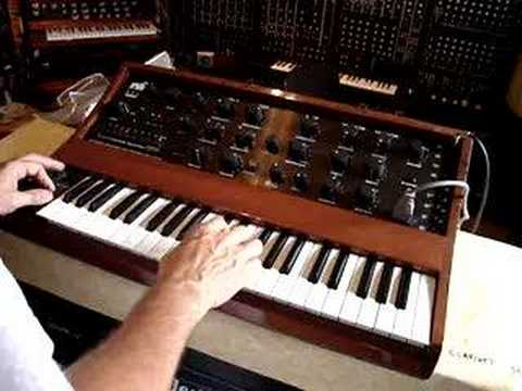 rsf kobol synthesizer 2 , playing a sequence