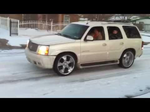 2015 Escalade On 24 S Drift In The Snow Youtube
