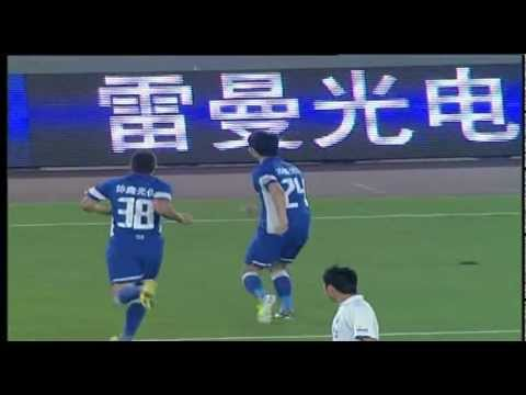Chinese Balotelli! Italian's celebration copied by Zhou Tong