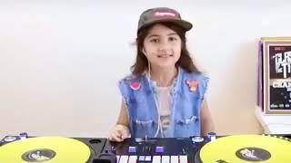 Anak kecil pintar main dj