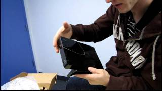 Zyxel NBG5715 Dual Band 450Mbs Wireless Media Router Unboxing & First Look Linus Tech Tips