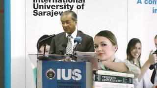 In recognition of a lifetime of achievements IUS awarded H.E. Tun Dr. Mahathir Mohamad