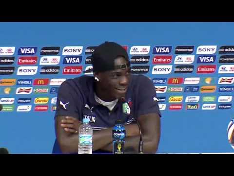 Costa Rica le enseñó a Balotelli quienes son sus jugadores