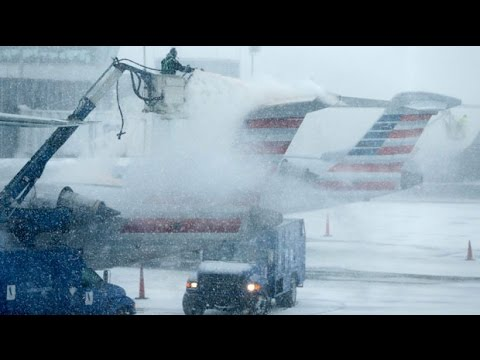 New York blizzard causes US travel chaos