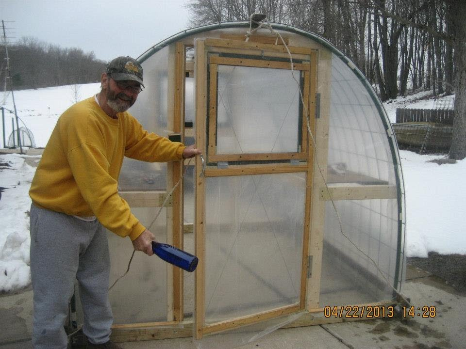 George W Hendren Sr Builds Texas Prepper2 S Greenhouse