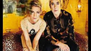 Watch Roxette Beautiful Things video