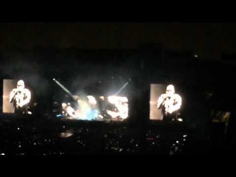 Dirt off my shoulder ON THE RUN TOUR Jay-z & Beyoncé Rose Bowl Pasadena