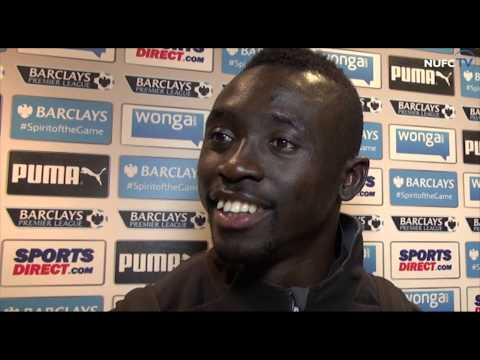 Papiss Cisse, John Carver and Tim Krul after Newcastle's win over Aston Villa