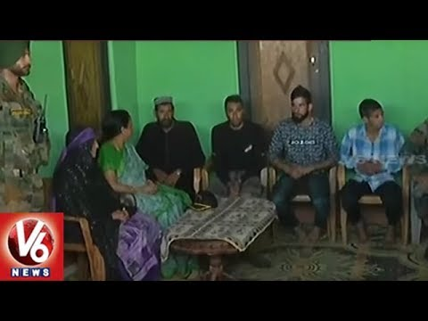 Defence Minister Nirmala Sitharaman Meets Family of Slain Soldier Aurangzeb in Poonch | V6 News
