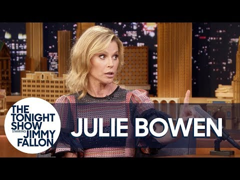 Julie Bowen Has a Strict No Penis-Pulling Rule in Her Home en streaming