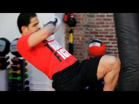 How to Do a Knee Strike | Kickboxing Lessons Image 1