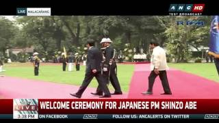 download Duterte welcomes Japan's Abe in Malacañang Video