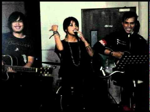 video Signals band the one feat sarah cokelat