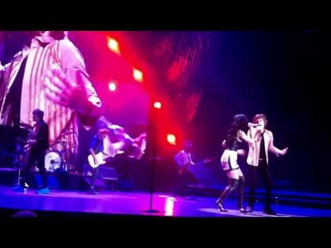 The Rolling Stones & Katy Perry - Beast Of Burden live in Las Vegas (11th May 2013)