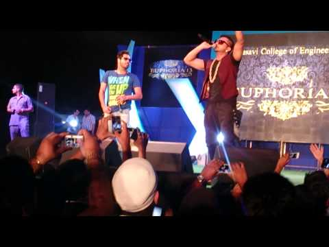 Yo Yo Honey Singh Performing Live In Hyderabad,vasavi College Of Engineering (must Watch) video