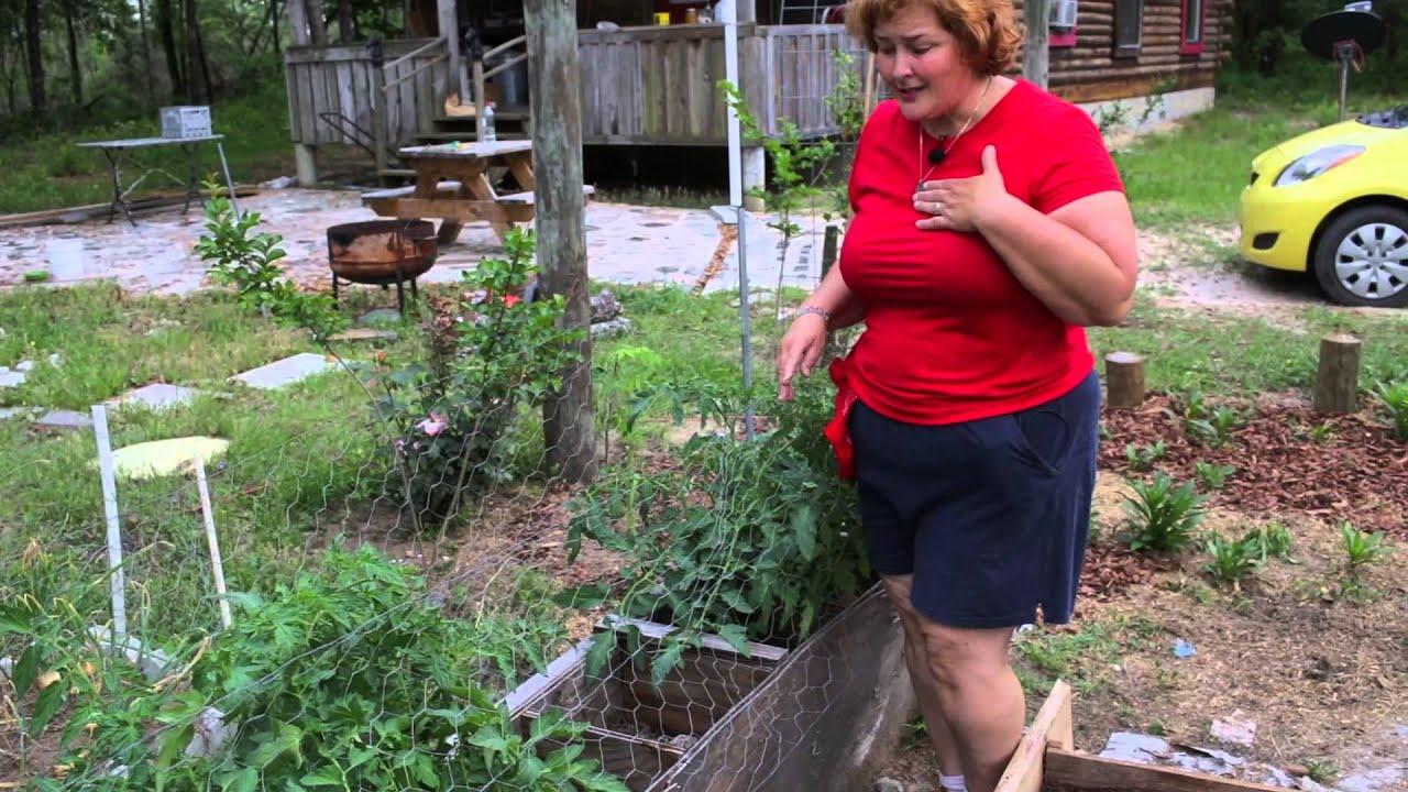 Creative Garden Ideas. A tour of Becky's Homestead garden ...