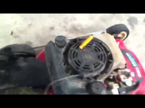 LAWN MOWER REPAIR QUICK TIP   how to replace the starter rope on a briggs engine