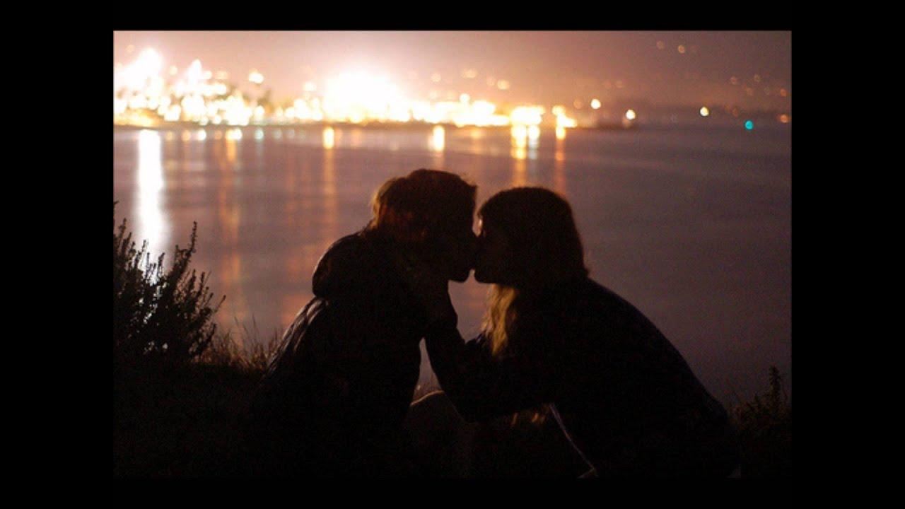 Рыжая девушка целуется с парнем 14 фотография