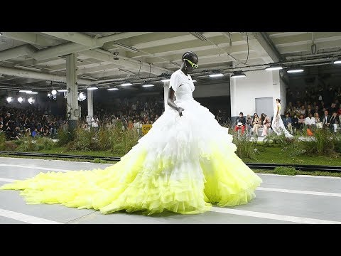 Off-White | Spring Summer 2019 Full Fashion Show | Exclusive