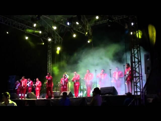 Banda Marinos- Puros Corridos
