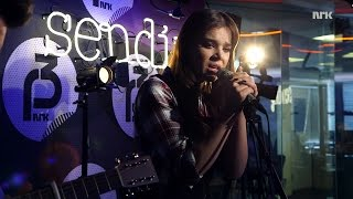 "P3 Christine Live: Hailee Steinfeld ""Let It Go"" (James Bay cover)"