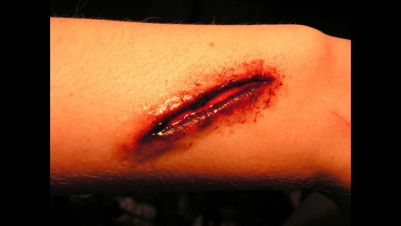 Halloween effets speciaux tuto faire une fausse blessure facilement sans latex youtube - Fausse couche sans perte de sang ...