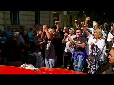 Protests in Croatia over use of Cyrillic