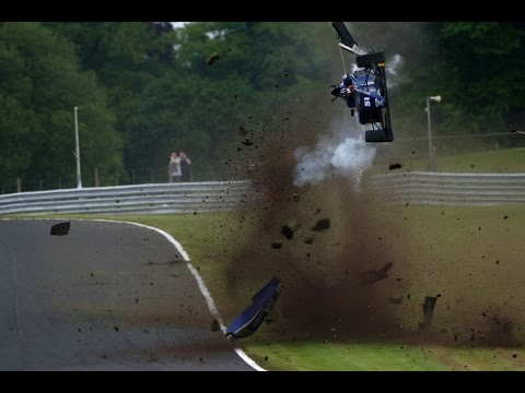 *Onboard* Massive airborne crash for Vaidyanathan at Oulton Park