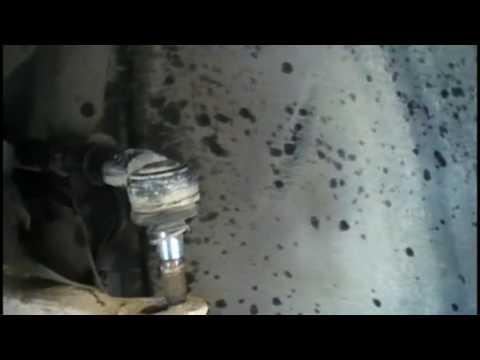 Ремонт и замена рулевого наконечника на Ауди А6 (Audi A6 C4). Видео