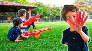Paulinho E Toquinho Brincam De Vender Nerf E No Parquinho Para Crianças
