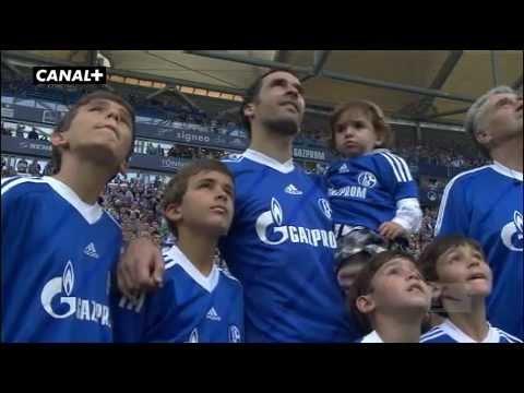 Homenaje y Despedida del Schalke 04 a Raúl Gonzalez en el Veltins Arena �Video del Video-Marcador: http://youtube.com/watch?v=R20JTyxdlqs� 28/04/2012 El espa...