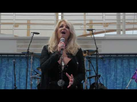 Bonnie Tyler performs Total Eclipse of the Heart for Royal Caribbean