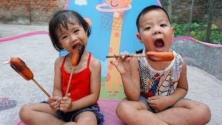 Trò Chơi Bé Đi Picnic  - Đồ Chơi Cho bé Xúc Xích , Hoa Quả | Bé Nhím Baby Toys