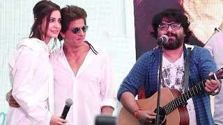Hawayein Pritam Live Performance With Shahrukh Khan Anushka Sharma