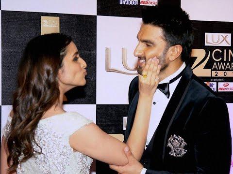 Exclusive Pareeniti Chopra & Ranveer Singh Singing At Zee Cine Awards 2016