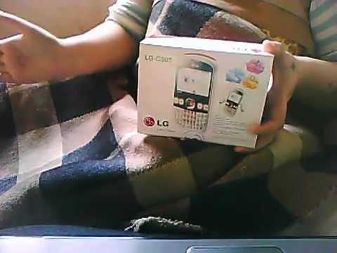 Precentando celular LG C305.