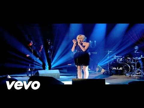Pixie Lott - Nothing Compares (live)